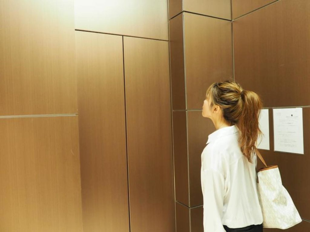 UNDUEX(エレベーター)