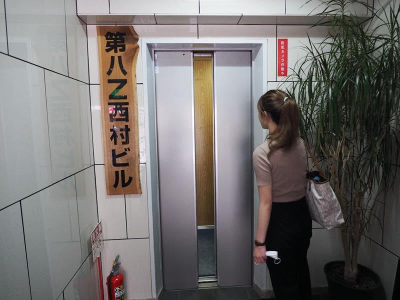 アウトラインエレベーター付近