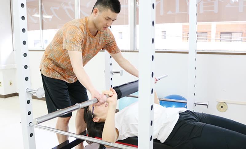 草香江トレーニングスタジオのジム画像1