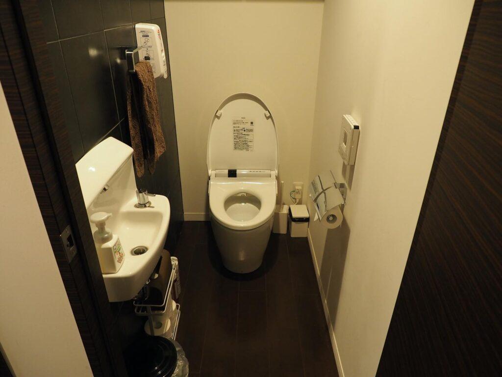 メルメイクトイレ